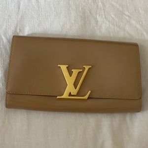 Authentic LV patent leather clutch